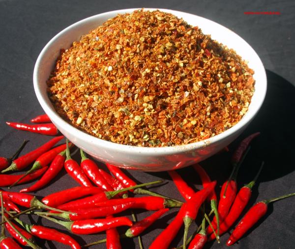 Chili Jalapeño rot geschnitten