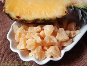 Ananasstücke gezuckert